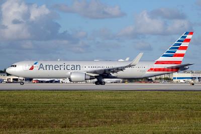 American Airlines Boeing 767-323 ER WL N342AN (msn 33081) MIA (Jay Selman). Image: 403690.