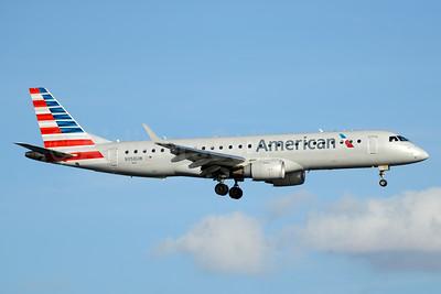 American Airlines Embraer ERJ 190-100 IGW N958UW (msn 19000164) DCA (Jay Selman). Image: 403594.