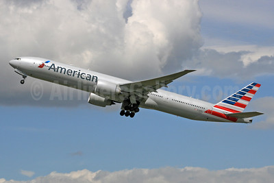 American Airlines Boeing 777-323 ER N728AN (msn 31553) LHR (SPA). Image: 931580.