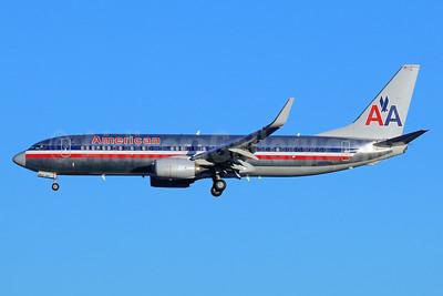 American Airlines Boeing 737-823 WL N921NN (msn 33229) SEA (Michael B. Ing). Image: 940310.
