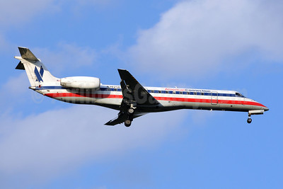 American Connection-Chautauqua Airlines Embraer ERJ 140LR (EMB-135KL) N382SK (msn 145624) MSP (Bruce Drum). Image: 101118.