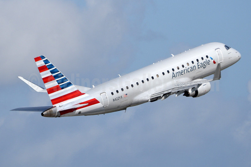American Eagle Airlines (2nd)-Republic Airlines (2nd) Embraer ERJ 170-200LR (ERJ 175) N422YX (msn 17000387) MIA (Bruce Drum). Image: 104378.