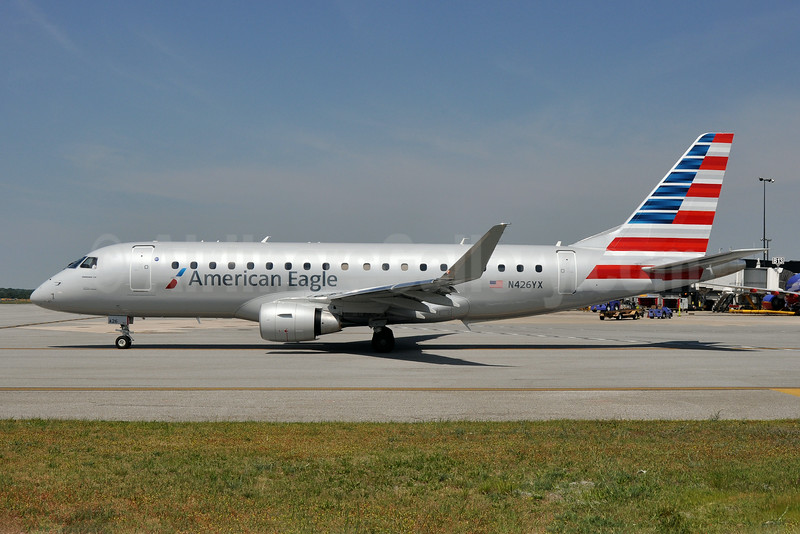 American Eagle Airlines (2nd)-Republic Airlines (2nd) Embraer ERJ 170-200LR (ERJ 175) N426YX (msn 17000397) BWI (Tony Storck). Image: 923132.