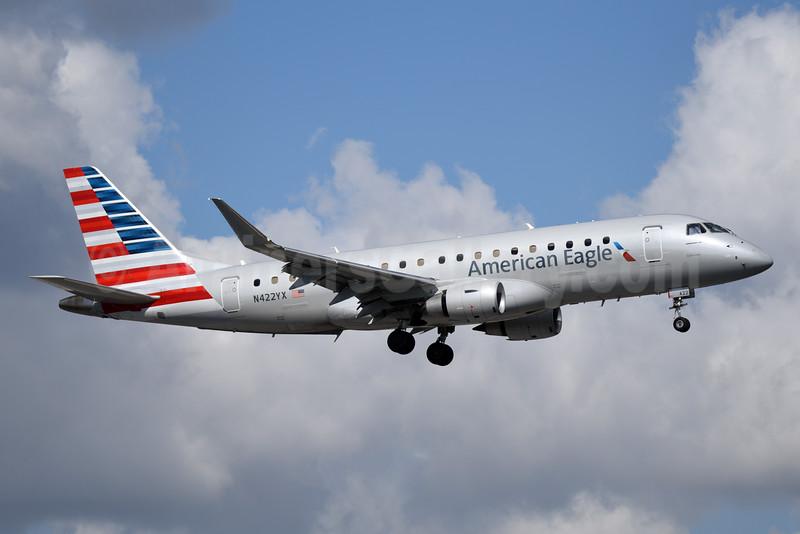American Eagle Airlines (2nd)-Republic Airlines (2nd) Embraer ERJ 170-200LR (ERJ 175) N422YX (msn 17000387) MIA (Bruce Drum). Image: 104377.