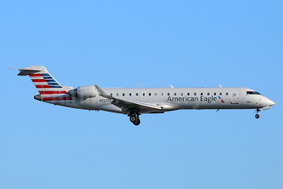 American Eagle Airlines (2nd)-SkyWest Airlines Bombardier CRJ700 (CL-600-2C10) N727SK (msn 10191) LAX (Michael B. Ing). Image: 942055.
