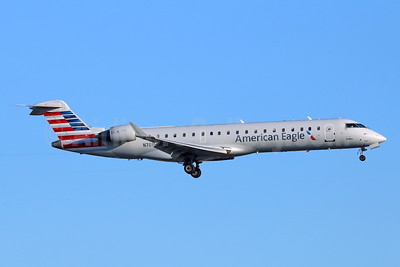 American Eagle Airlines (2nd)-SkyWest Airlines Bombardier CRJ700 (CL-600-2C10) N701SK (msn 10133) LAX (Michael B. Ing). Image: 942053.