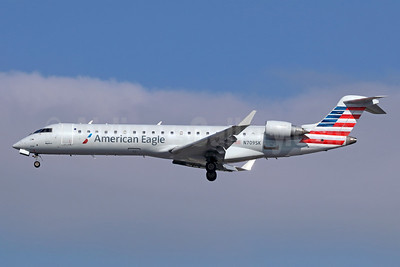 American Eagle Airlines (2nd)-SkyWest Airlines Bombardier CRJ700 (CL-600-2C10) N709SK (msn 10159) LAX (Michael B. Ing). Image: 942054.