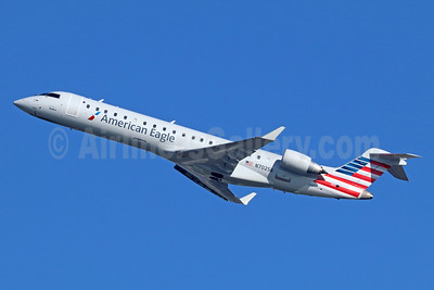 American Eagle Airlines (2nd)-SkyWest Airlines Bombardier CRJ700 (CL-600-2C10) N702SK (msn 10136) LAX (Michael B. Ing). Image: 936837.