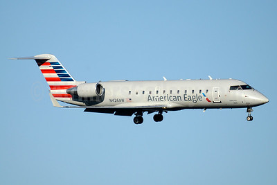 American Eagle-Air Wisconsin Bombardier CRJ200 (CL-600-2B19) N426AW (msn 7669) DCA (Jay Selman). Image: 403521.