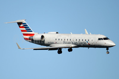 American Eagle-Air Wisconsin Bombardier CRJ200 (CL-600-2B19) N415AW (msn 7593) DCA (Jay Selman). Image: 403520.