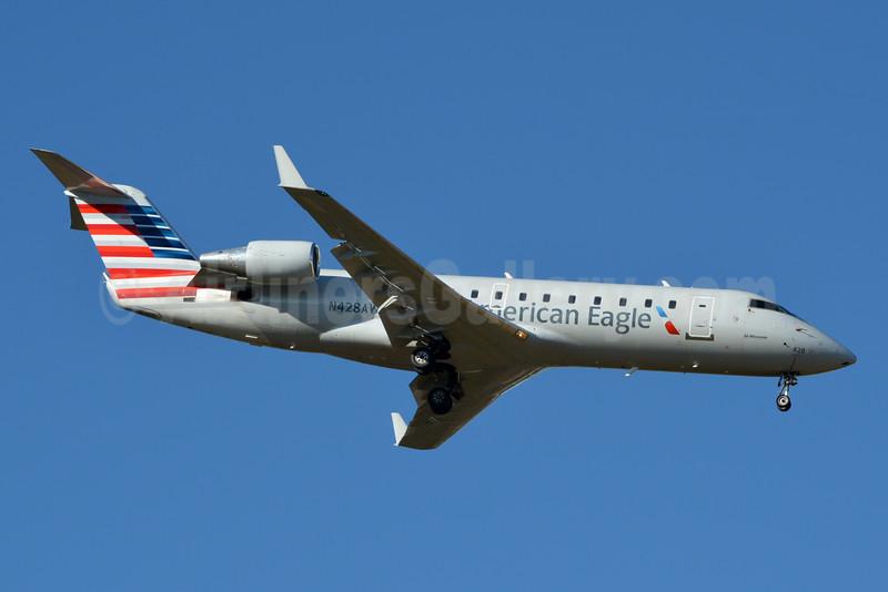 American Eagle-Air Wisconsin Bombardier CRJ200 (CL-600-2B19) N428AW (msn 7695) CLT (Jay Selman). Image: 403053.