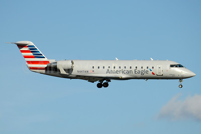 American Eagle-Air Wisconsin Bombardier CRJ200 (CL-600-2B19) N447AW (msn 7812) DCA (Jay Selman). Image: 403523.