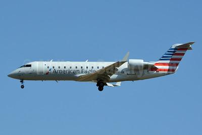 American Eagle-Air Wisconsin Bombardier CRJ200 (CL-600-2B19) N416AW (msn 7603) CLT (Jay Selman). Image: 403091.
