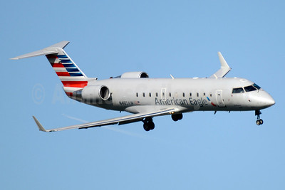 American Eagle-Air Wisconsin Bombardier CRJ200 (CL-600-2B19) N405AW (msn 7362) DCA (Jay Selman). Image: 403518.