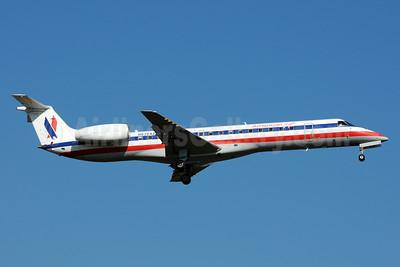 American Eagle Airlines (2nd) Embraer ERJ 145LR (EMB-145LR) N639AE (msn 145182) PNS (Bruce Drum). Image: 102690.