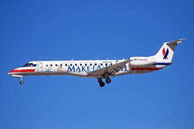 American Eagle Airlines (2nd) Embraer ERJ 140LR (EMB-135KL) N807AE (msn 145506) (Make-A-Wish) LAS (Bruce Drum). Image: 100052.