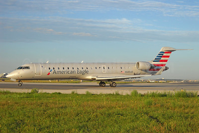 American Eagle (2nd)-Envoy Bombardier CRJ700 (CL-600-2C10) N505AE (msn 10053) YYZ (TMK Photography). Image: 913299.