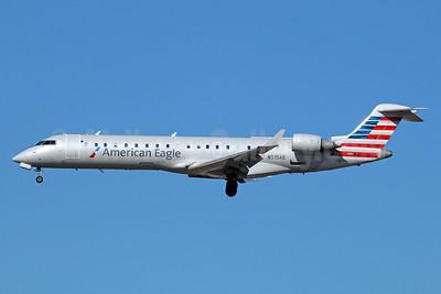 American Eagle (2nd)-Envoy Bombardier CRJ700 (CL-600-2C10) N515AE (msn 10121) LAX (Michael B. Ing). Image: 921885.