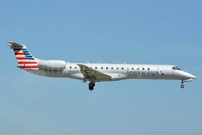American Eagle (2nd)-Envoy Embraer ERJ 145LR (EMB-145LR) N640AE (msn 145183) MIA (Jay Selman). Image: 403360.