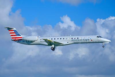 American Eagle (2nd)-Envoy Embraer ERJ 145LR (EMB-145LR) N678AE (msn 145813) MIA (Jay Selman). Image: 403798.