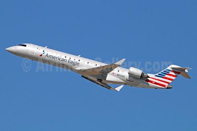 American Eagle (2nd)-Envoy Bombardier CRJ700 (CL-600-2C10) N512AE (msn 10110) LAX (Michael B. Ing). Image: 921330.