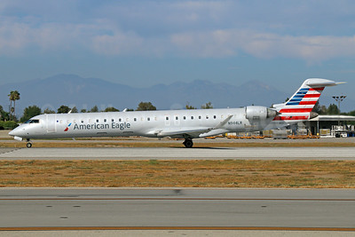 American Eagle Airlines (2nd)-Mesa Airlines Bombardier CRJ900 (CL-600-2D24) N944LR (msn 15075) LGB (Michael B. Ing). Image: 923008.