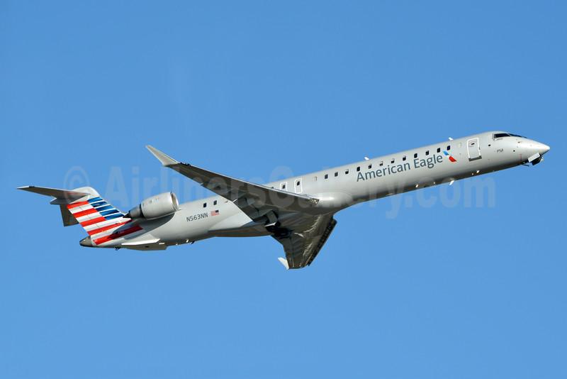 American Eagle (2nd)-PSA Airlines (2nd) Bombardier CRJ900 (CL-600-2D24) N563NN (msn 15350) CLT (Jay Selman). Image: 402832.