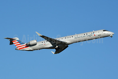 American Eagle (2nd)-PSA Airlines (2nd) Bombardier CRJ900 (CL-600-2D24) N585NN (msn 15388) CLT (Jay Selman). Image: 403067.
