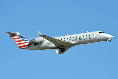 American Eagle (2nd)-PSA Airlines (2nd) Bombardier CRJ200 (CL-600-2B19) N218PS (msn 7885) CLT (Jay Selman). Image: 403747.