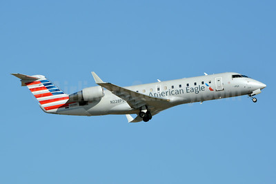 American Eagle (2nd)-PSA Airlines (2nd) Bombardier CRJ200 (CL-600-2B19) N228PS (msn 7897) CLT (Jay Selman). Image: 403749.
