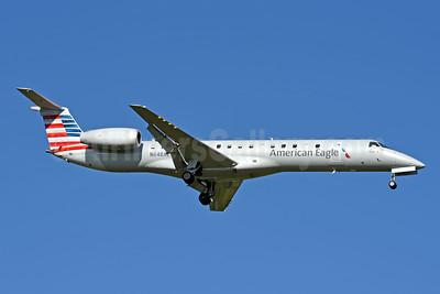 American Eagle (2nd)-Piedmont Airlines (2nd) Embraer ERJ 145LR N648AE (msn 145225) CLT (Jay Selman). Image: 403982.
