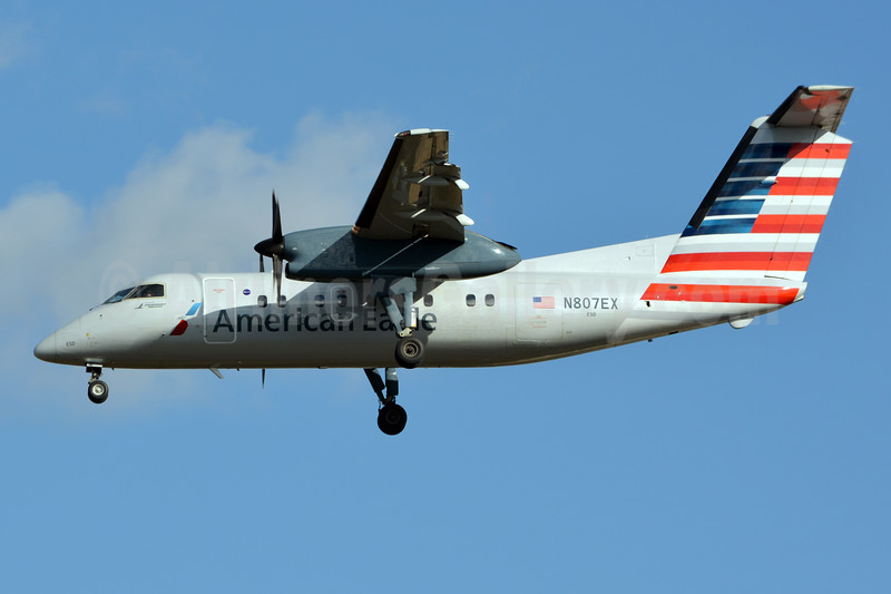American Eagle (2nd)-Piedmont Airlines (2nd) Bombardier DHC-8-102 Dash 8 N807EX (msn 292) CLT (Jay Selman). Image: 403765.