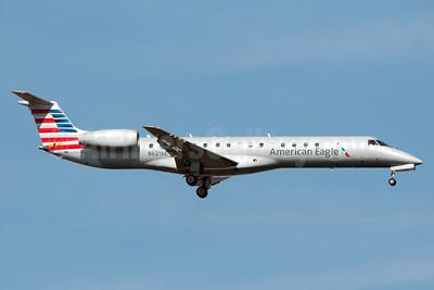 American Eagle-Trans States Airlines Embraer ERJ 145LR (EMB-145LR) N621AE (msn 145105) JFK (Fred Freketic). Image: 936170.