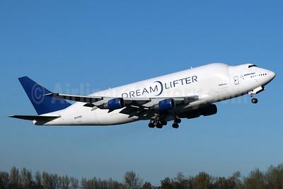 Boeing (Atlas Air) 747-4J6LCF DreamLifter N747BC (msn 25879) PAE (Michael B. Ing). Image: 938312.