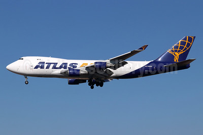 Atlas Air Boeing 747-45EF N486MC (msn 30608) LAX (Michael B. Ing). Image: 948320.