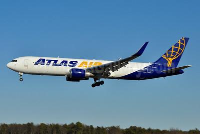 Atlas Air Boeing 767-375 ER WL N649GT (msn 25864) BWI (Tony Storck). Image: 941376.