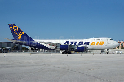 Atlas Air Boeing 747-2D7B (SF) N524MC (msn 21784) MIA (Bruce Drum). Image: 101213.