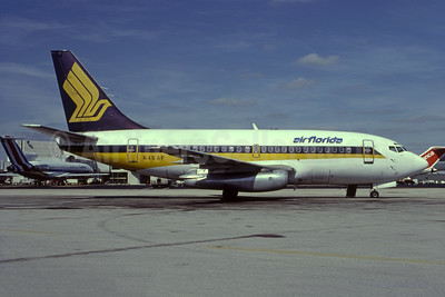 Air Florida (1st) Boeing 737-112 N46AF (msn 19768) (Singapore colors) MIA (Bruce Drum). Image: 105131.