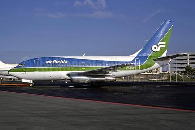 Air Florida (1st) Boeing 737-112 9V-BBE (N47AF) (msn 19771) MIA (Bruce Drum). Image: 105093.