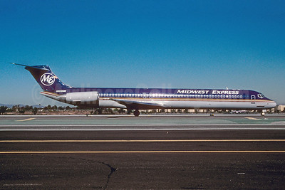 Midwest Express Airlines McDonnell Douglas DC-9-82 (MD-82) N809ME  (msn 48071) LAX (Roy Lock). Image: 922045.