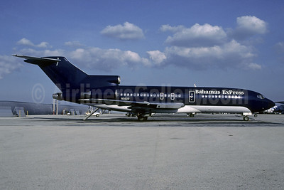 Bahamas ExPress (Pacific Interstate Airlines) Boeing 727-51 N5609 (msn 18806) (Pacific Interstate colors) MIA (Christian Volpati Collection). Image: 942818.