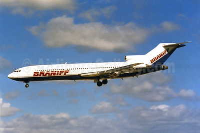 Braniff Airways (2nd) Boeing 727-227 N472BN (msn 21670) FLL (Keith Burton). Image: 922918.