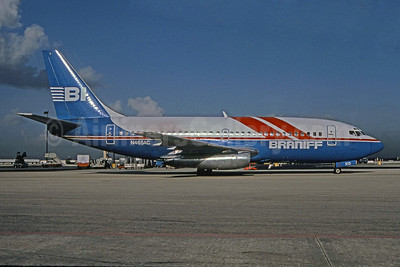 Braniff Airways (2nd) Boeing 737-293 N465AC (msn 19713) (experimental colors) MIA (Bruce Drum). Image: 101739.