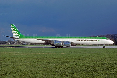 Burlington Air Express McDonnell Douglas DC-8-71 (F) N824BX (msn 45946) (Christian Volpati Collection). Image: 931818.