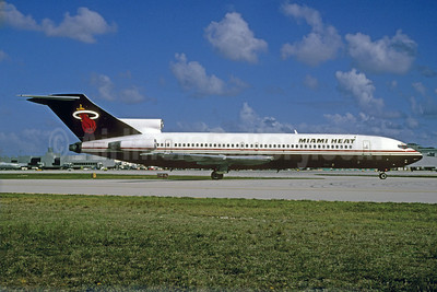 Miami Heat (Carnival Air Lines) Boeing 727-225 N8866E (msn 20628) MIA (Bruce Drum). Image: 103441.