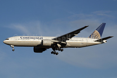 Continental Airlines Boeing 777-224 ER N79011 (msn 29859) NRT (Michael B. Ing). Image: 904325.