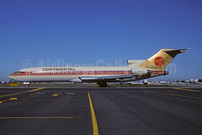 Continental Airlines Boeing 727-243 N586PE (msn 22168) (Peoplexpress colors) SJC (Thomas Livesey). Image: 907647.