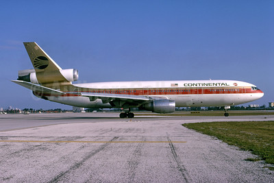 Continental Airlines McDonnell Douglas DC-10-10CF N68052 (msn 47806) MIA (Bruce Drum). Image: 105134.