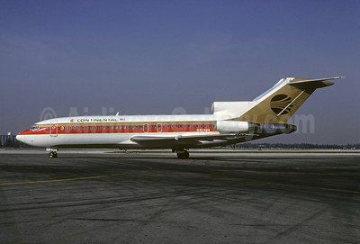 Continental Airlines Boeing 727-22 N40484 (msn 18791) MIA (Bruce Drum). Image: 102226.