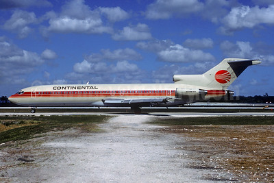 Continental Airlines Boeing 727-243 N580PE (msn 21663) (Peoplexpress colors) FLL (Christian Volpati Collection). Image: 930287.